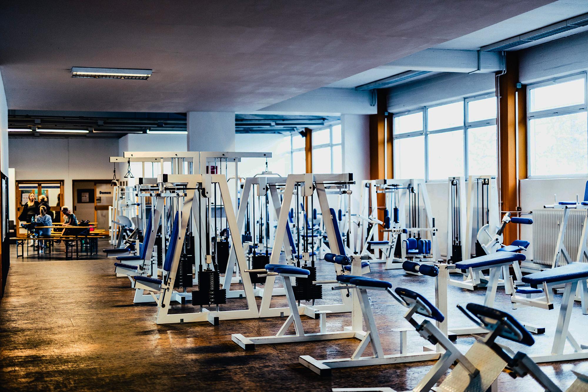 24/7 Training Wir sind das erste und größte 24h Fitness Studio in Augsburg.